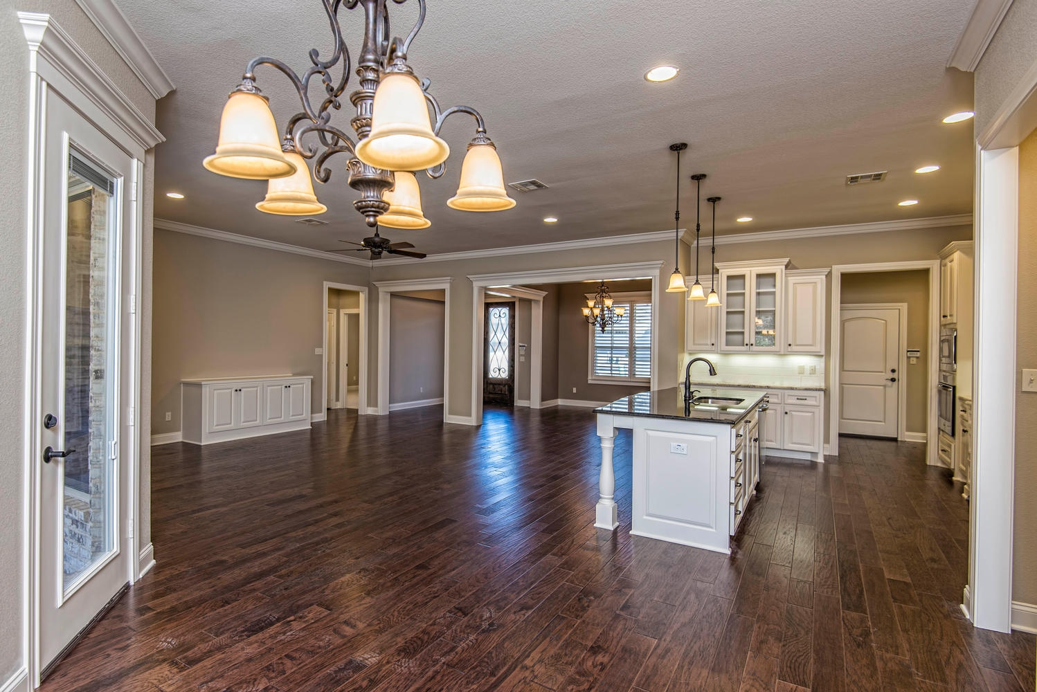 4809 Lochinvar 342000 Waco TX-large-009-9-View of Living Areas-1498x1000-72dpi