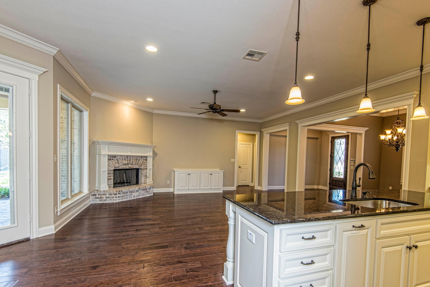 4809 Lochinvar 342000 Waco TX-large-010-10-Open Concept Living Areas-1499x1000-72dpi
